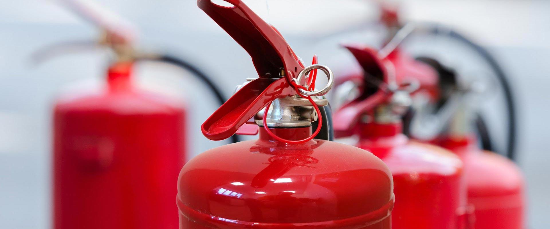 https://emme-italia.com/sites/default/files/revslider/image/emme-antincendio-srl-produzione-estintori-omologati--3_0_.jpg